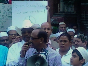 Bronx elected officials come out in support of Bangladeshi community after a Muslim worshipper member survives a vicious stabbing. Police believe they have a suspect.